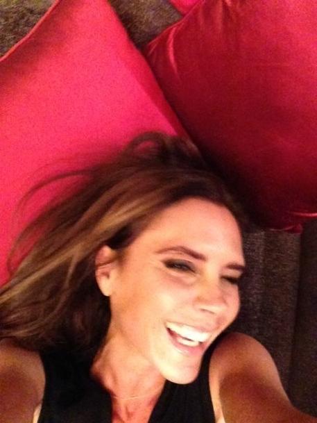 Victoria-Beckham-sourire