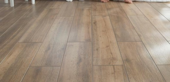 Carrelage fa on parquet bois for Carrelage style parquet