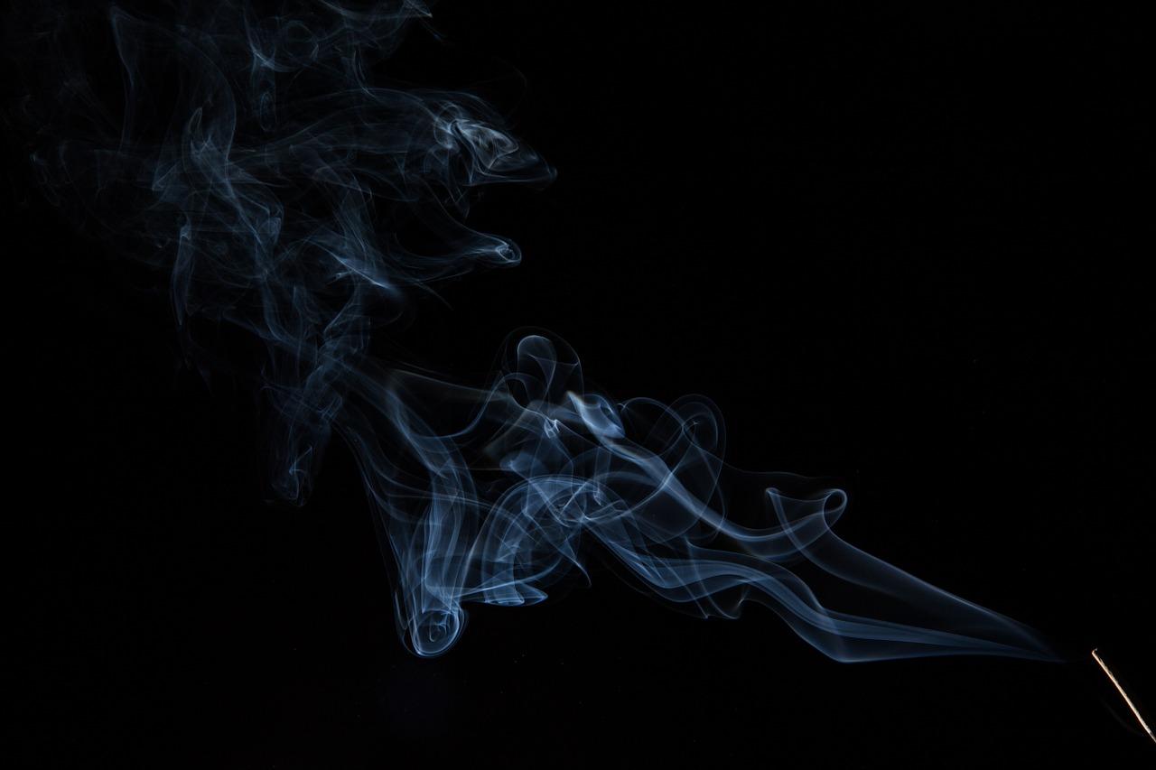encens fumée