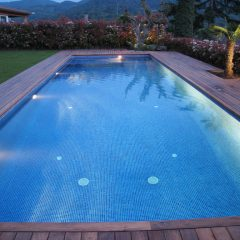 Applique extérieure, le parfait complément pour l'éclairage de votre piscine