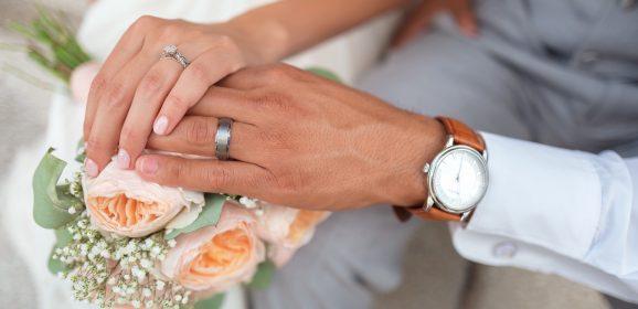 Et l'homme a-t-il le droit à des bijoux pour son mariage ?